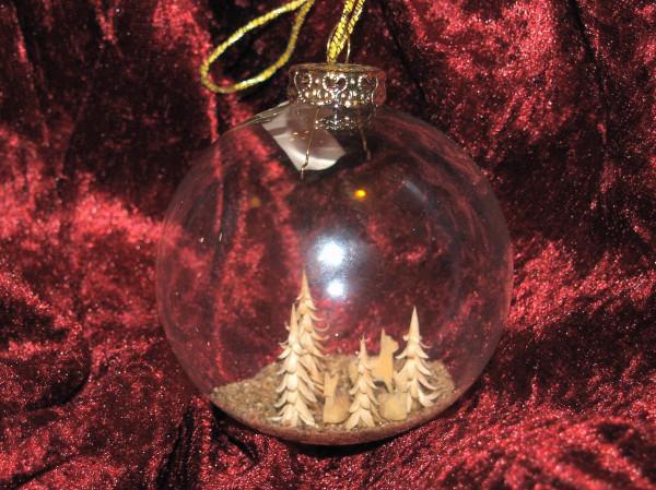 Glaskugel mit Miniaturschnitzerei 8cm